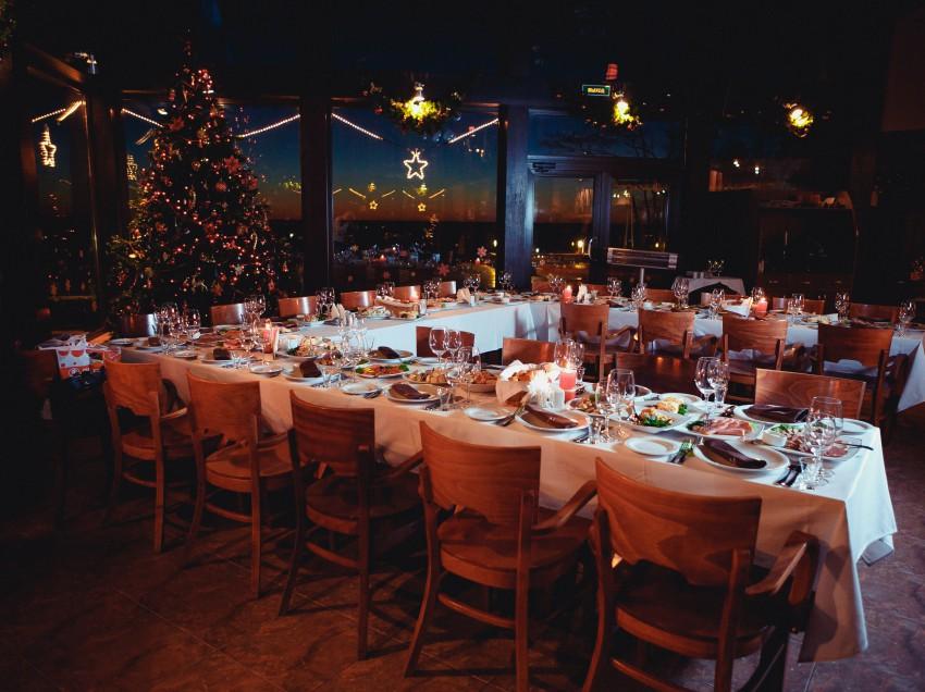 Ресторан Макрель приглашает провести предновогодние корпоративы!