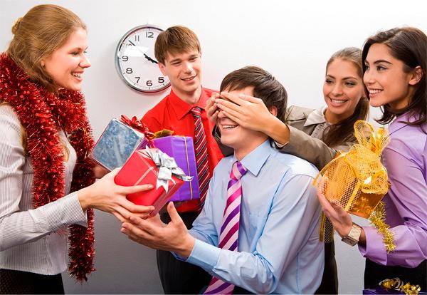 Что подарить коллегам на работе2