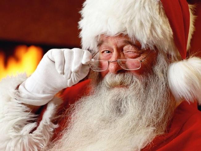 11270210-R3L8T8D-650-1042072__santa-claus-winking_p