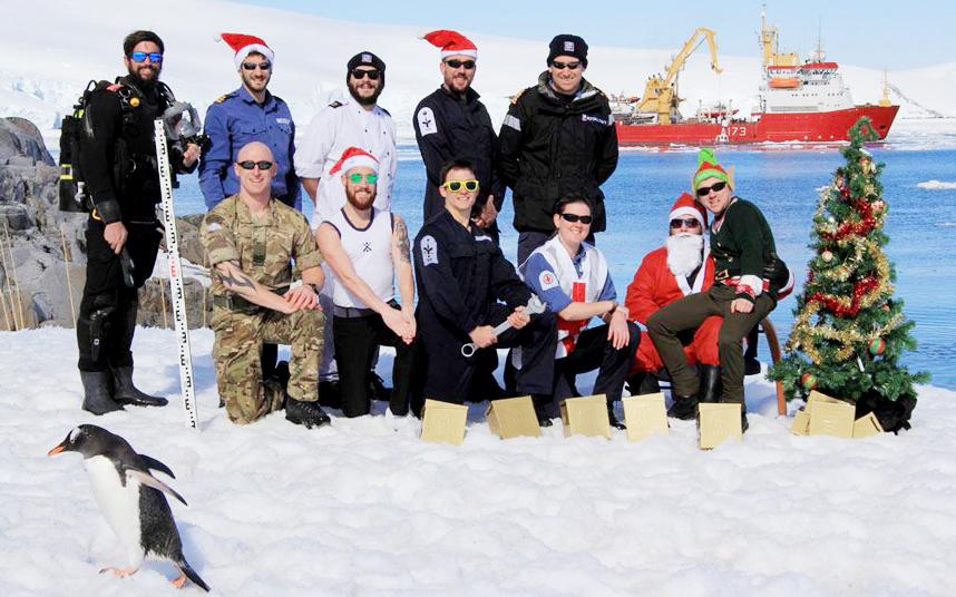 Как празднуют Новый год в Антарктиде3