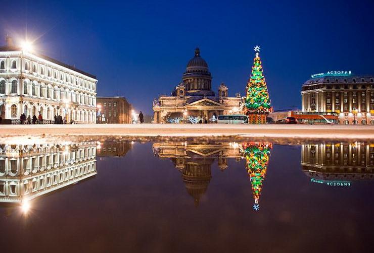 Где живет Рождественский дух ярмарочных гуляний Санкт-Петербурга?
