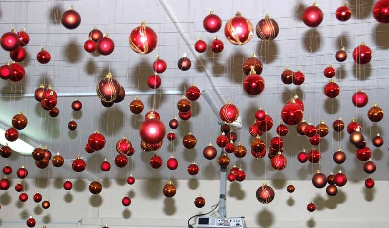 Новогоднее украшение офиса идеи и правила2