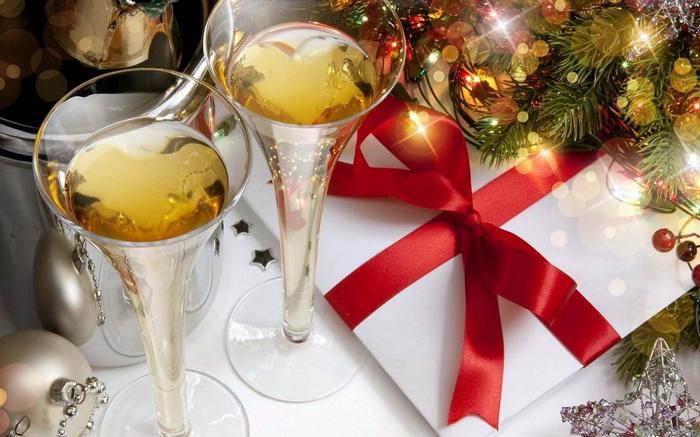 Новогодняя ночь в ресторане: плюсы и минусы.