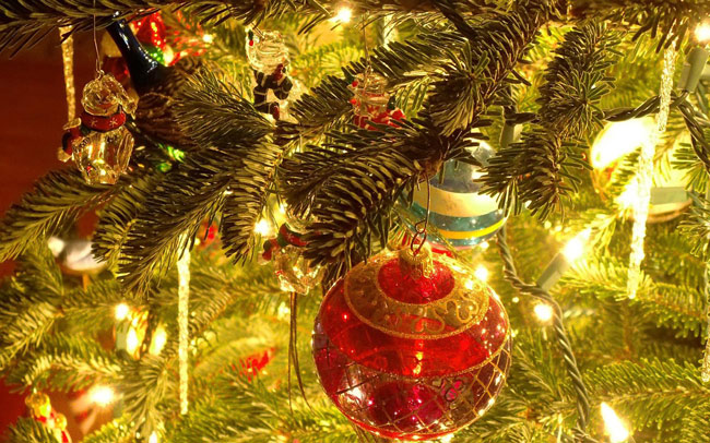 Год Собаки: украшаем новогоднюю ёлку правильно