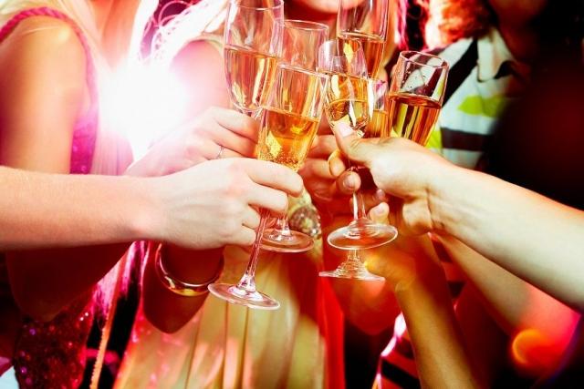 Как встретить Новый год без похмелья: советы врача