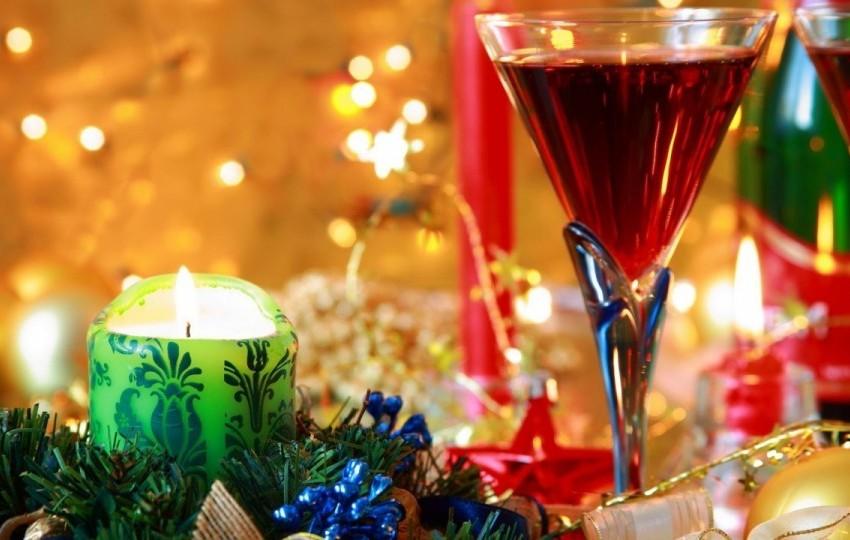 Новогодние корпоративы с праздничной программой от «Мон Амур» и «Русское Солнце»