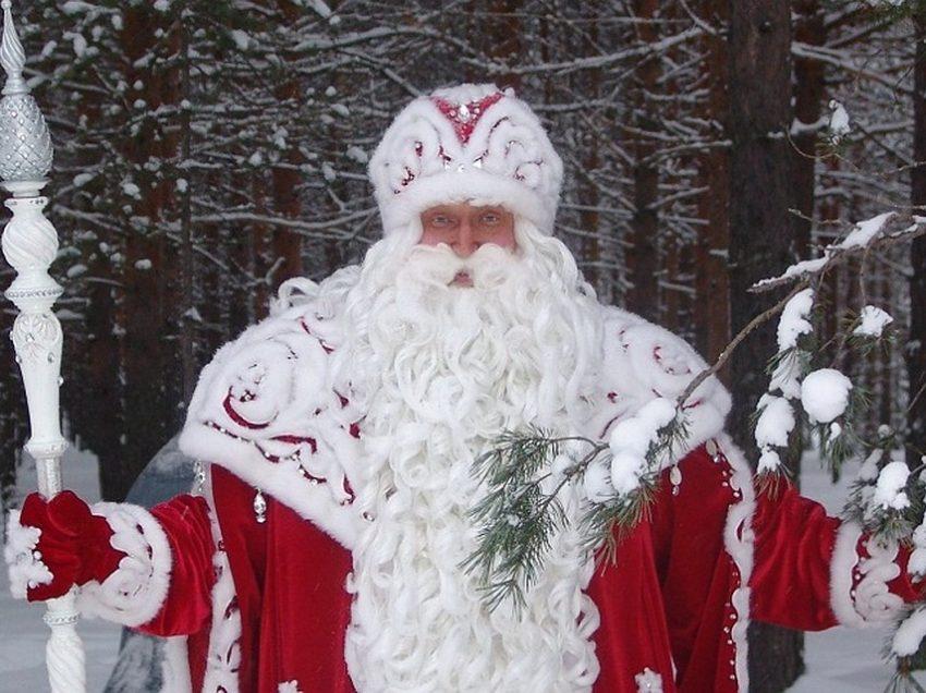 Как Дед Мороз резиденцией в Великом Устюге и Московской усадьбой обзавёлся