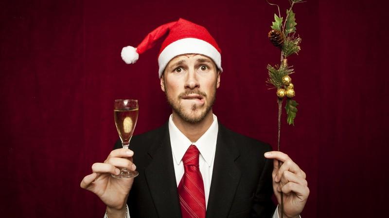Есть ли польза от новогоднего корпоратива? Или… как это бывает…