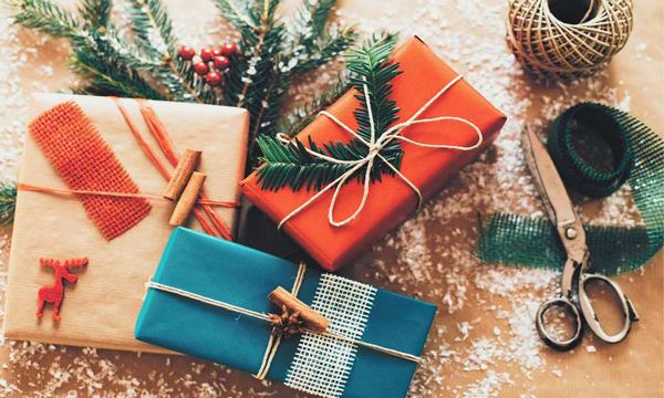 Подарки родителям на Новый год. ТОП-10