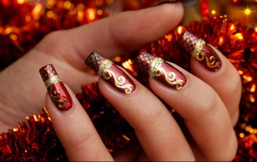 Новогодние ногти модные