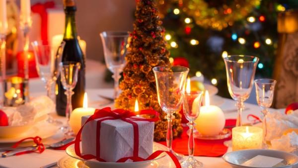Год Огенного Петуха: праздничное оформление стола